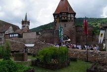Cité fortifiée de Châtenois / D'origine celtique, la cité fortifiée de Châtenois a conservé des vestiges remarquables, dont la Tour des Sorcières. Situé sur la Route des Châteaux et Cités Fortifiées d'Alsace, le site dispose également d'une double enceinte de remparts.  © crédits photos : ADT 67 - C. Fleith - D. Lett - OT Châtenois