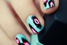 Nails / by Isabelle Bosschaerts
