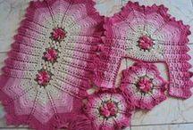 tapetes crochet / by Ana Gregório
