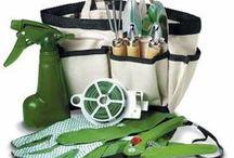 Herramientas para el jardín / Las herramientas de jardinería son imprescindibles para el mantenimiento adecuado de los jardines y  permiten hacer las labores de jardinería más cómodas, tanto las sencillas y habituales como las específicas para cada labor.