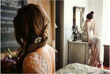 Silver & White Wedding / Inspiration pour mariage dans les tons blancs, naturels, et des vases, bougeoirs et chandeliers en verre mercurisé