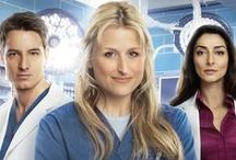 Emily Owens M.D. / A young doctor realizes that working as an intern in a big hospital is very much the same as being in high school.
