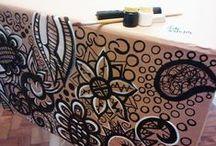 Artes Fabi / Desenhos em grafite, lápis de cor, guache, acrílica, látex, nanquim e qualquer outra coisa que dê pra rabiscar.
