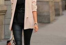 Rosa Blazer / Outfit-Inspirationen für einen rosa Blazer. Alltagstaugliche Looks und Outfits fürs Büro.