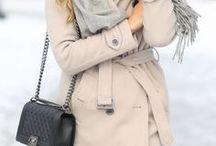 Winter-Mäntel / Inspirationen für Outfits mit Mänteln und Schals, die wintertauglich sind und trotzdem stylish aussehen