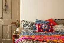At Home / En Casa. Haga de su hogar un ambiente de apoyo.  Make your home a supportive environment.  -John Maxwell