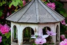 B i r d   H o m e s / Bird houses, bird baths, birdie families...