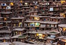 Textures (architecture) - Slums & shanty towns / by Geoffroi Ridel
