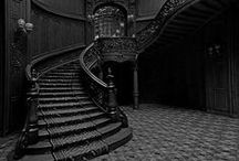 Period Homes: Gothic / Dark, moody and a little bit romantic. All of us can learn to love a bit of Gothic in our home.