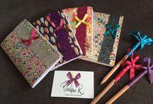 Papeterie Pauline.R / Carnets en tissu, paillette et petit nœud, à glisser dans le sac à main ou à laisser sur le bureau pour noter toutes ses idées !