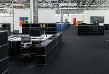 • USM Möbelbausysteme - Office • / Aus einigen wenigen Grundelementen entstehen einzelne Möbel für den Wohnbereich, komplette Arbeitsplätze für zu Hause und funktionale Bürolandschaften. Dieses modulare System ermöglicht massgeschneiderte Lösungen, die jederzeit erweiterbar und umbaubar sind. Keine katalogisierten Möbeltypen, sondern Einzelstücke, die der individuellen Flexibilität und Kreativität genügend Raum lassen. Gerne überzeugen wir Sie bei einem Besuch in unserem Geschäft persönlich von der Funktionalität der USM Möbel.