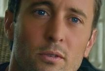 BEAUTY | Alex O'Loughlin / Vampire / Private Investigator [Moonlight] - Transplant Doctor [Three Rivers] - former Navy SEAL turned law enforcement [Hawaii 5-0] - and various other movies - I love him in all forms! / by Kim Puffpaff