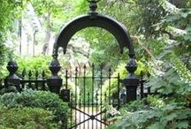 fences, gates,  arbors,& pergolas / by Karen Egeberg