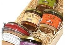 Corbeilles gourmandes / Différentes corbeilles gourmandes qui n'attendent que vous pour vos cadeaux de fetes de fin d'années, ... Commandez dès maintenant sur notre site internet www.aux-delices-de-landrais.com