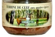 Pâtés de gibier / Différents pâtés de gibier à déguster. Plus d'informations sur nos produits du terroir sur notre site internet www.aux-delices-de-landrais.com