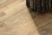 NATURAL TIMBER-LOOK PORCELAIN TILES