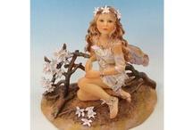 Faerie Poppets 1 / クリサリスコレクション妖精たちのシリーズから、木や草花の妖精をご紹介します。