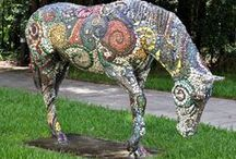 Horse Fever  / Organized by the Marion Cultural Alliance, the 'Horse Fever' public art project invites local artists to decorate fiberglass horse canvases. The horses are then auctioned off to benefit the charity of the artist's choice.