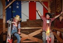 Western Games / Doe mee aan de hilarische western games bij the American Roadhouse in Zaltbommel en u bent gegarandeerd van een originele activiteit voor uw bedrijfsuitje, familiefeest of vriendengroep in de omgeving van Den Bosch. De cowboys stellen een competitie samen waarin de beste cowboy of cowgirl aan het einde zal overblijven. Er worden diverse wild west spelen gespeeld, variërend van laserschieten tot bierpul schuiven. (http://www.american-roadhouse.nl/).