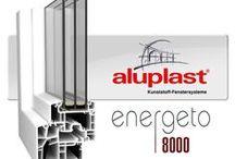 aluplast energeto® 8000 / Το μέλλον του κουφώματος  Συνθετικό προφίλ χωρίς ενίσχυση σιδήρου-θερμογέφυρας. Η τεχνολογία energeto έχει άριστες τιμές θερμομόνωσης σε όλες τις σειρές και τα κατασκευαστικά βάθη, συμβάλλοντας ουσιαστικά στην μείωση του κόστους ψύξης-θέρμανσης του σπιτιού,  των ρύπων CO 2 και κατ΄επέκταση την προστασία του περιβάλλοντος. Πείθει με τους κορυφαίους συντελεστές μόνωσης με Uf=0.94 W/m²K και Uw έως 0,61W/m²K