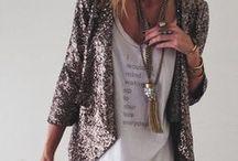 Looks para inspirar / Inspiração de looks com peças variadas: blusa, blazer, vestido, casacos, jaquetas, jeans, saias, calças, etc.