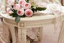 Shabby Chic / by Julie Jimenez