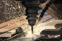 Heavy metal for a great job / Alcuni particolari della nostra linea di produzione: metallo, vernici, macchinari per garantire il migliore risultato / Some details of our production line: metal, paint, machinery to ensure the best result