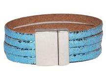"Vintage metallic leather armbanden / New collection vintage ""metallic leather"" bracelets.  Price € 19,95 Shop them @ www.armbanden-en-riemen.nl  & www.armbanden-en-riemen.be"