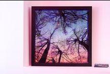 """7i Art Gallery · Maja Petric - """"Reduced Landscapes"""" /  Reduced Landscapes es una serie de cuadros dinámicos de arte hechos de luz para representar atmósferas de paisajes, creando una experiencia abstracta e impresionista de la naturaleza por el uso experimental de la luz que crea la sensación de cambio de paisaje según el ángulo de visión."""