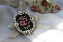 Sutasz, biżuteria różna