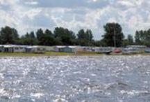 Strandcamping Terherne / Strandcamping Terherne is een camping direct gelegen aan de oever van het Sneekermeer. Uitermate geschikt voor iedereen die van surfen, zwemmen, varen, zeilen , vissen etc. houdt.