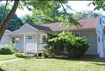 Haney's Place Rental House - Bloomington / 5 bed, 2.5 bath house for rent in Bloomington, Indiana: 2600 East Dekist Street, Bloomington, IN 47408. Call Cedarview Management (812) 339-8777.