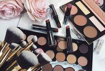 MAKE UP STYLES / Styles de maquillage et matériels.