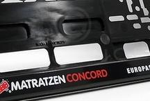 Kennzeichenhalter schwarz (Premium) Beispiele und Referenzen. Realisierung GurilConcept  - www.kennzeichenhalter.de / Einige Beispiele und Anregungen realisierter Aufdrucke. Bedruckt wurde das Modell schwarz (Premium) im Siebdruckverfahren.