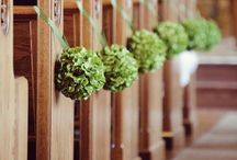 Aisle decoration | Wedding Inspiration / How you could style your aisle! Wedding flowers | Aisle flowers | DIY Flowers | DIY styling