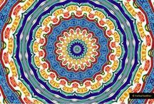 """Мандалы """"Песни Солнца"""" / Работы Фархада Садыхова Коллекция Мандалы «Песни солнца» представляет из себя уникальную коллекцию мандал, которые создавались на базе законов сакральной геометрии храмовых техник мандал в восточных традициях. Они не просто гармонизируют то пространство, в котором находятся. ОНИ СПОСОБНЫ НАСЫЩАТЬ ПРОСТРАНСТВО СВЕТОМ, НЕЙТРАЛИЗУЯ НАКОПЛЕННЫЕ ЭНЕРГИИ НЕГАТИВА. Эти работы продаются.  Делаем подарки своим любимым!!!!  Связаться с автором +7 9104641117"""
