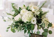 White Flowers | Wedding Inspiration / Inspiration for using white flowers for your wedding. White wedding bouquets | White table centres | white buttonholes | white venue styling