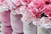 Ombre Flowers | Wedding inspiration / Ombre designs to inspire your wedding theme. Ombré flowers | DIY flowers | wedding table flowers |
