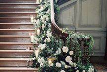 Staircases | Wedding Inspiration / How you could styling your staircase with flowers. Venue styling | DIY wedding | DIY Flowers | flowers on stairs |