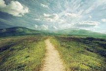 Sentieri / Esistono cammini senza viaggiatori. Ma vi sono ancor più viaggiatori che non hanno i loro sentieri. Gustave Flaubert