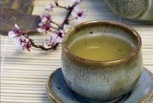 Oriental tea / Sotto la stella del mattino piccola eco in una teiera d'ottone il canto di un cuculo.  Myōjō no chirori ni hibike hototogisu. Akutagawa Riúnosuke
