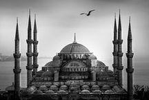 """Istambul / Istanbul non porta la tristezza come """"una malattia temporanea"""", oppure """"un dolore di cui liberarsi"""", ma come una scelta. Orhan Pamuk"""