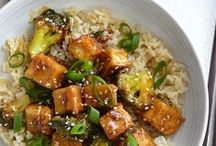 DINNER / Don't know what's for dinner tonight? Plan ahead with these tasty vegan dinner recipes.