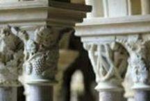 Languedoc / Le vin du Languedoc ne cesse de croître en qualité et en notoriété. L'héritage viticole laissé par les moines cisterciens, bénédictins et chartreux est préservé aujourd'hui dans les Abbayes viticoles du Languedoc qui exploitent les meilleurs terroirs en Agriculture Raisonnée ou en Agriculture Biologique.