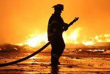 """Pompiers / """"Le sacrifice de soi pour la vie de l'autre...le plus beau des métiers"""" (Phrase d'un pompier anonyme)"""