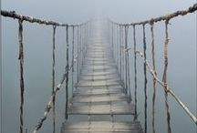 Ponton / Un ponton est un pont trop pauvre pour joindre les deux bouts (Sylvain Tesson)