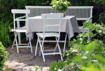 weiße Ecke / weiße Gartendekoration