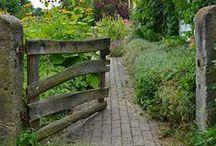 übern Gartenzaun zu Christiane / Besuch im Cottage Garten, Bauerngarten, naturnaher Garten, Pflanzen im Bauerngarten, natürliche Gartendekoration, Garten am Haus