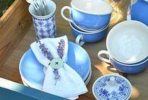 Heute machen wir blau! / Tischdekoration in blau, Pflaumenkuchen, Tischdekoration im Shabbylook