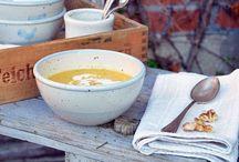 Suppe geht immer... / Möhrensuppe, Rezept Suppe, Töpferware, natürliche Gartendekoration, Holzhäuser